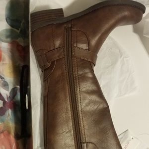 Boots   brand new original package